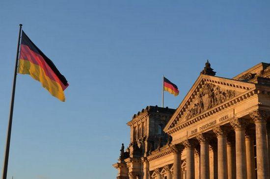 Germanii, ingrijorati de eliminarea restrictiilor pe piata muncii pentru romani si bulgari
