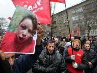 Zeci de mii de persoane protesteaza la Kiev, denuntand agresarea unei jurnaliste de opozitie