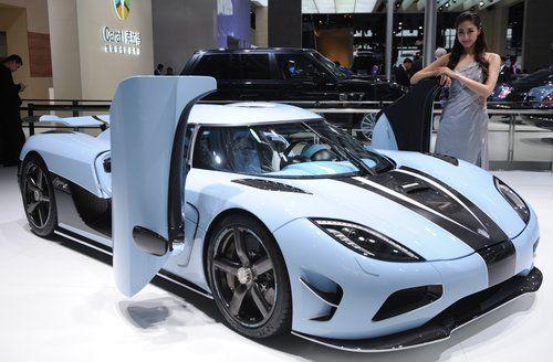 Compania care a fabricat 100 de masini in 19 ani. Povestea celei mai exclusiviste marci auto din lume:  Daca ne dai suficienti bani, iti construim si un elicopter