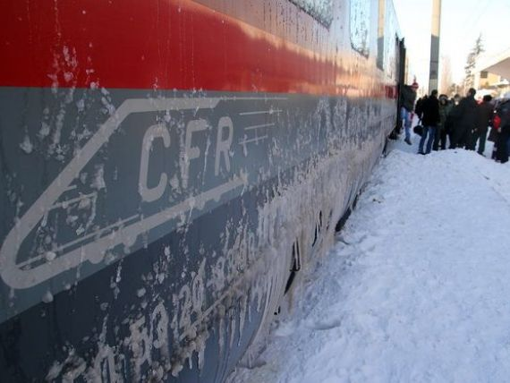 CFR Calatori: Numarul de pasageri s-a dublat duminica. Cum poate fi evitata aglomeratia de la casele de bilete