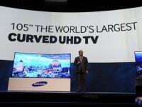 """Televizorul cu diagonala de 105 inci, care se indoaie pur si simplu spre privitor. """"Revolutia"""" de 70.000 de dolari bucata. Samsung si LG """"au luat fata"""" CES 2014"""