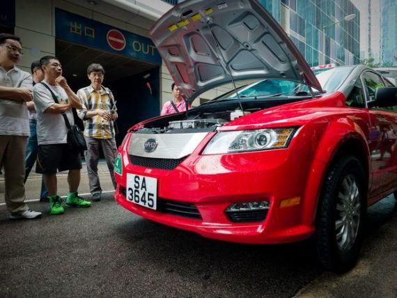 Chinezii se extind pe piata auto americana, cu sprijin financiar de la Warren Buffett
