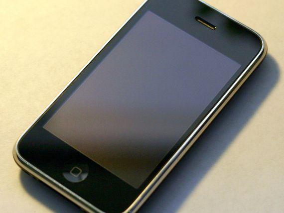 IPhone 6 ar putea fi de doua ori mai subtire decat vechiul iPhone 3GS