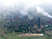 Dupa indelungi negocieri, angajatii combinatului ArcelorMittal din Galati obtin salarii majorate cu 6 procente