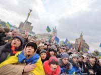 Zeci de mii de oameni protesteaza la Kiev fata de agresarea unui lider al opozitiei