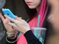 The Guardian: NSA intercepteaza zilnic milioane de SMS-uri
