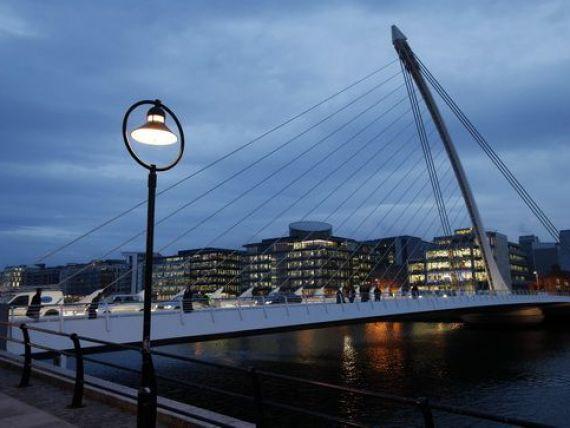 Irlanda a reintrat in clubul tarilor recomandate investitorilor, dupa mai bine de doi ani in care a fost  gunoi