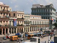 Cuba, coplesita de recordul de turisti straini, veniti dupa reluarea relatiilor cu SUA. Havana construieste hoteluri si extinde aeroportul