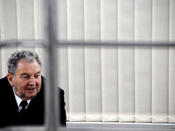 Omul de afaceri Ilie Carabulea si reprezentanti ai Carpatica Asigurari si ai Autoritatii de Supraveghere Financiara, vizati intr-un dosar de coruptie