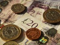 Lira sterlina continua sa se deprecieze, dupa votul pentru Brexit, atingand un nou minim al ultimilor 31 de ani in raport cu dolarul