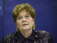 Basescu ii cere demisia Marianei Campeanu, acuzata ca i-ar fi dat sotului pensie si indemnizatie de insotitor, in conditii suspecte. Reactia ministrului Muncii
