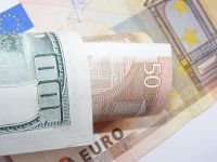 Parlamentarii propun convertirea in lei a creditelor in valuta, fara comisioane si garantii suplimentare. Restantele la banci au crescut de 10 ori intre 2008 si 2012