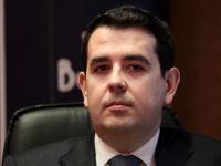 Dragos Bilteanu, seful SIF Banat Crisana, si-a petrecut noaptea dupa gratii. El si alti suspecti, pusi sub acuzare pentru manipularea pietei de capital. Prejudiciul: 13 mil. euro