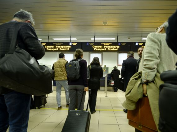 Peste 6,3 mil. pasageri pe aeroporturile din Bucuresti, in primele 9 luni, in crestere cu 7,7%