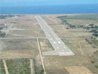 Autoritatile ucrainene au preluat controlul asupra aeroporturilor din Crimeea
