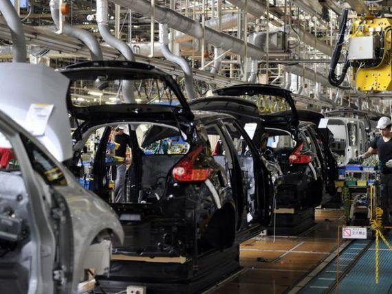 Primul pas catre masina fara sofer. Nissan va introduce din 2016 elemente de conducere autonoma la noile modele