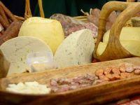 Salamul de Sibiu, telemeaua de Ibanesti si novacul afumat de Tara Barsei ajung in Europa si in intreaga lume. Lista produselor traditionale certificate de UE, pentru care producatorii pot lua fonduri de 3 mil. euro