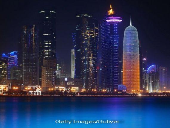 Scaderea pretului petrolului ingroapa si cele mai bogate tari ale lumii. Qatarul introduce o taxa pentru pasagerii care trec prin aeroportul din Doha, pentru a-si finanta deficitul