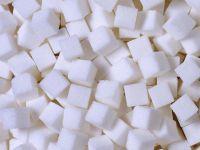 Guvernul vrea să introducă taxa pe zahăr. Cum se va aplica și pentru ce produse se va plăti