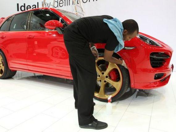 Financial Times: Porsche va fabrica pentru prima data masini integral in afara Germaniei