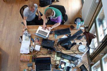 Startup-urile din IT si-au prezentat inventiile la Berlin: mp3 player-ul subacvatic, aplicatii pentru decorarea locuintei sau cheia care deschide automat usile