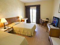 Hoteluri din Grecia, Cipru si Marea Britanie vor sa angajeze peste 2.000 de romani. Salariile ajung la 1.800 euro/luna