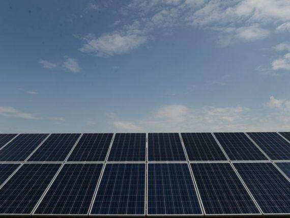 Bani de la Ministerul Mediului pentru energie regenerabila. Korodi:  Programul Casa Verde ar putea reincepe anul acesta