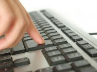 Utilizatorii de internet, sfatuiti sa-si schimbe toate parolele, in special pe cele folosite pentru a face plati. Milioane de site-uri, puse in pericol de un virus cibernetic