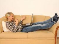 Cumparaturi din varful patului. Magazinele online livreaza inclusiv alimentele pentru masa de Pasti. Comerciantii asteapta vanzari mai mari cu 35%