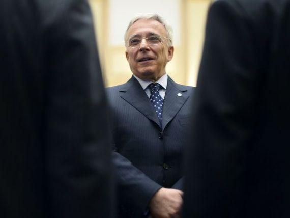 Isarescu: Sprijin aderarea la euro ca program national, nu neaparat 2019, care e greu de atins