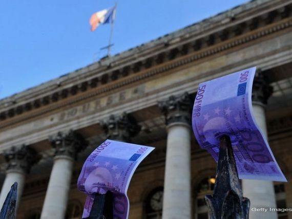 Franta ingheata ajutoarele sociale si salariile functionarilor publici
