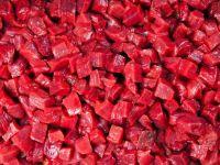 Patronatele cer reducerea TVA la carne, de la 24, la 5%. Romanii renunta la marfurile autohtone, in favoarea celor din strainate. Multi fermieri sustin ca sunt in pragul falimentului