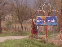 """""""Romania, te iubesc"""": Bogatii din valea saracilor. Afacerile dubioase din Valea Jiului, unde bugete consistente se evapora in numele ortacilor, nu si pentru ei"""