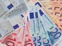 Cursul a scazut la 4,4340 lei/euro, atingand cel mai redus nivel din ultimele sase luni