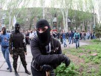 Occidentul lanseaza noi negocieri, la Viena, pentru evitarea unui razboi civil in Ucraina. 30 de morti si alte zeci de raniti, in confruntarile de la Slaviansk. Aeroportul din Donetk, inchis