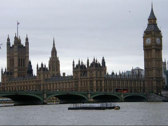 Imigrantii vor reprezenta o treime din populatia Marii Britanii pana in 2050, cei mai numerosi fiind indienii si pakistanezii