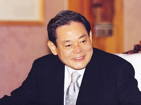 Cine este Lee Kun Hee, omul care a creat cel mai mare producator de smartphone-uri din lume. In 2013, companiile sale au generat vanzari echivalente cu 23% din PIB-ul Coreei de Sud