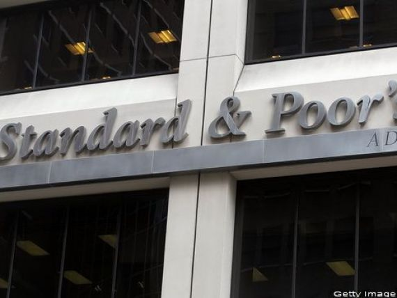Standard  Poor s confirmă ratingurile pentru datoriile României, dar va anunța perspectiva asociată în două săptămâni