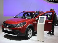 Dacia, cel mai puternic avans al vanzarilor in Franta. Sandero si Duster, in top zece al celor mai vandute masini