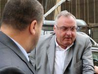 Omul de afaceri Dan Adamescu a fost condamnat la 4 ani si 4 luni de inchisoare cu executare. Judecatorul Mircea Moldovan, 22 de ani, pentru interventii in cauze de insolvente