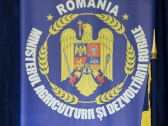 Ministrul Agriculturii l-a suspendat din functie pe directorul APIA, Dorel Benu, arestat la domiciliu intr-un dosar privind acordarea ilegala de subventii