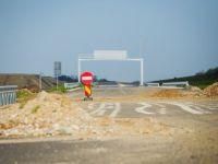 Case care stau in calea autostrazii. Guvernul a aprobat despagubirile pentru terenurile de pe traseul Comarnic-Brasov, proprietarii nici nu vor sa auda