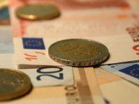 """Isarescu sugereaza ca vrea ca Romania sa adopte euro in mandatul sau: """"Obiectivul este ambitios, dar inca fezabil. Este un drum lung si anevoios"""""""