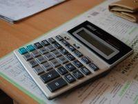 Proiectul Guvernului de reducere a CAS cu 5%, din octombrie, aprobat de Senat. Impactul negativ in buget va fi de 4,8 mld. lei, in 2015