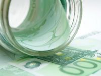 Romania a pierdut in criza 11 mld. euro din masa salariala anuala, lista scumpirilor de la 1 iulie si cati bani falsi circula prin Romania si care sunt bancnotele preferate de falsificatori