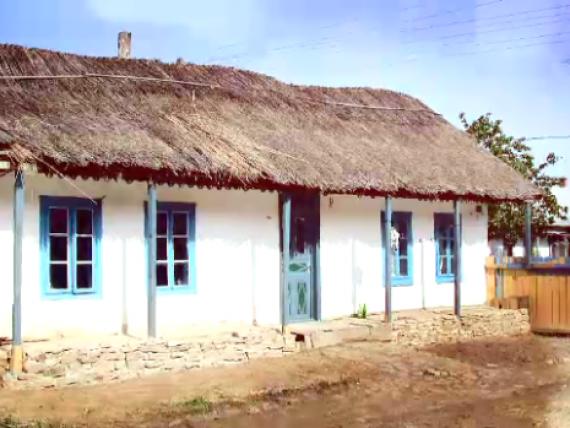 Profesorul care a renuntat la catedra pentru a salva un sat de pescari din Delta:  Oricine poate adopta o casa lipoveneasca