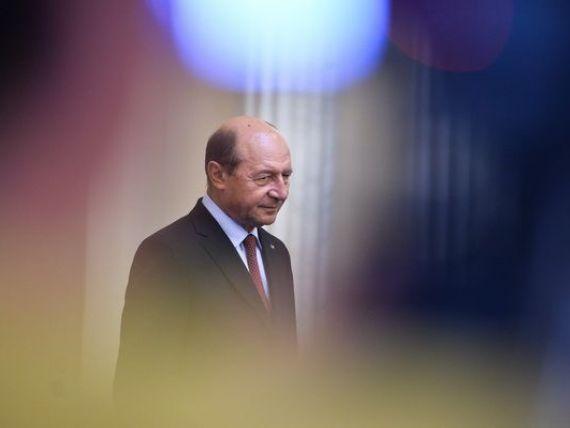Traian Basescu a promulgat Legea reducerii CAS cu 5%.  In 2014 nu vom avea probleme, dar in 2015 creste deficitul la pensii