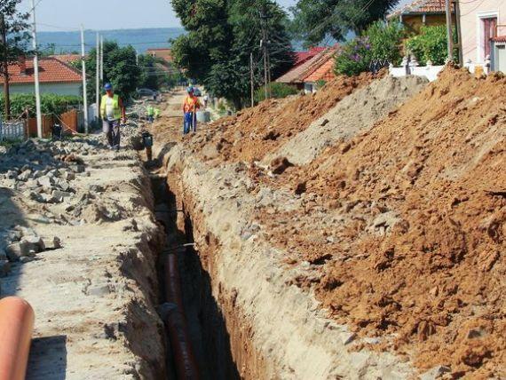 Numarul romanilor cu acces la sistemele de canalizare, in scadere. La sate, sub 5% din locuitori au baie cu apa curenta