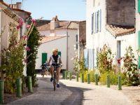 Cum isi pastreaza francezii identitatea peste secole. Stilul sarac-chic sau satele in care casele taranesti se vand cu 1 mil. euro