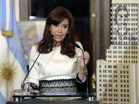 Miliardarul Paul Singer  ingroapa  Argentina. Cristina Kirchner: Obama poate rezolva litigiul privind datoriile tarii. Statul sud-american, in default partial